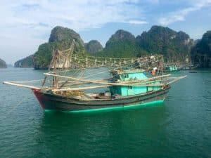 Passeio em HaLong Bay