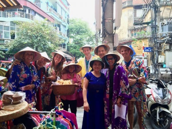 Passeio por Hanoi