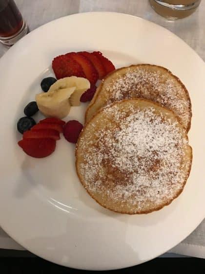 Menu de Room Service no hotel Bvlgari - Milão, Itália