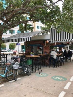 Rothschild, umas das principais avenidas de Tel-Aviv, Israel